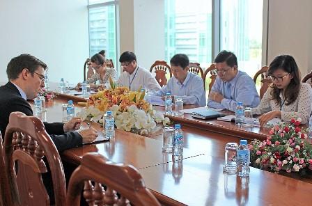 Lãnh đạo UBND tỉnh tiếp và làm việc với Công ty Asia Group(Mỹ)