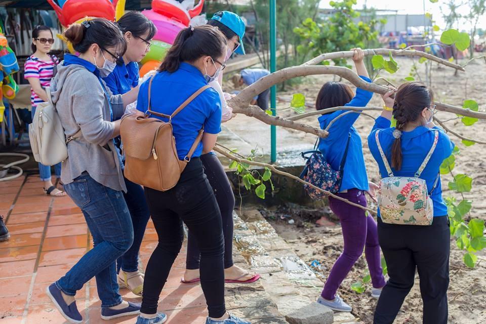 Chi đoàn Quỹ Đầu tư phát triển tham gia chiến dịch Thanh niên tình nguyện hè 2017