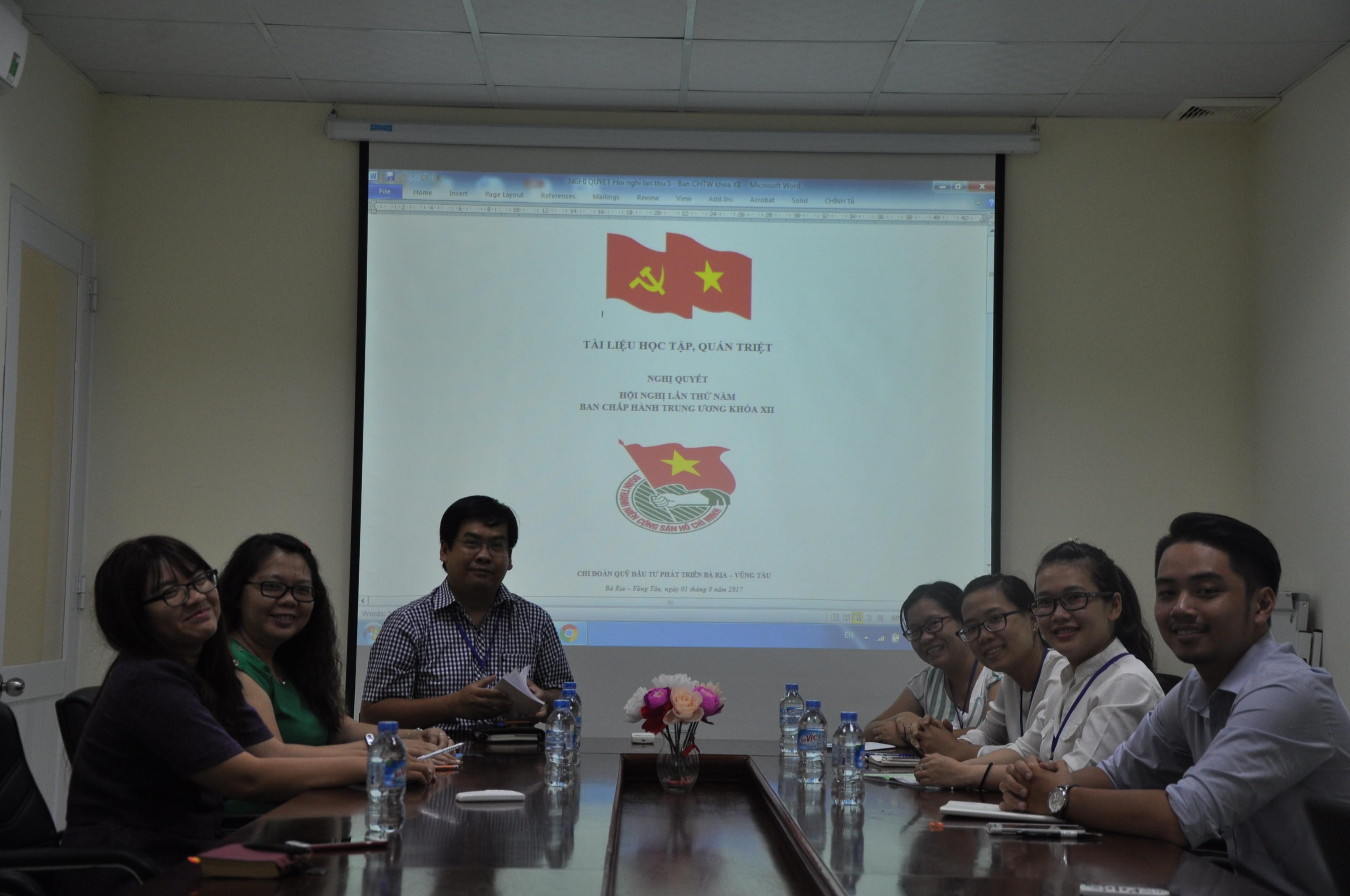 Chi đoàn Quỹ Đầu tư phát triển tuyên truyền Nghị quyết Trung ương 5 (Khóa XII)