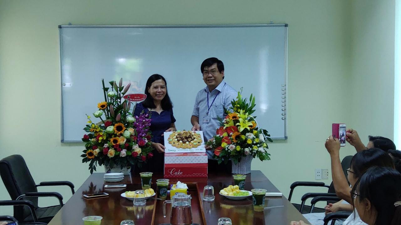 Chi đoàn Quỹ Đầu tư phát triển tổ chức buổi họp mặt nhân kỷ niệm ngày Phụ nữ Việt Nam 20/10